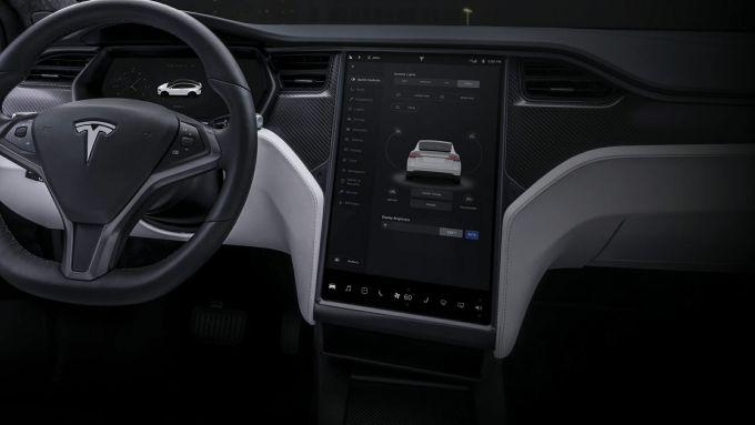 Aggiornamento hardware Tesla: disponibile a pagamento, ma prima negli USA