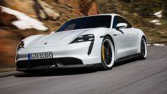 Aggiornamento software Porsche Taycan: la berlina sportiva tedesca su strada