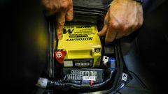 AGM Motobatt: installazione nel vano dell'Honda SH 150i