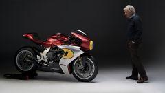 MV Agusta Superveloce AGO: il video con Giacomo Agostini