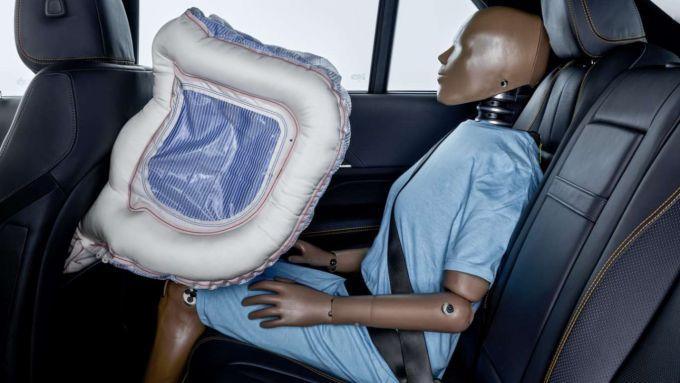 Airbag posteriore di nuova Mercedes Classe S