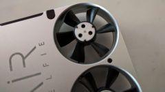 AirSelfie: i 4 motorini brushless sono i più piccoli e potenti mai realizzati, dice l'azienda