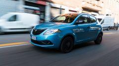 Al volante della Lancia Ypsilon Ecochic 1.0 Hybrid Maryne
