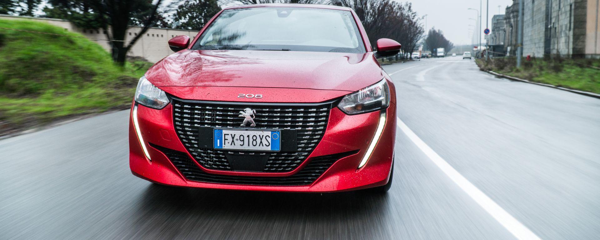 Al volante della Peugeot 208 2019