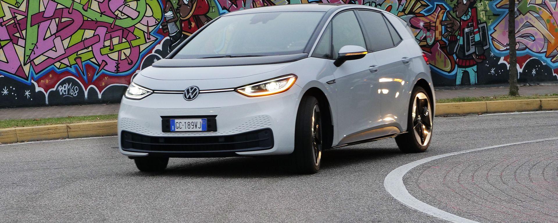 Al volante della Volkswagen ID.3