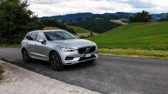 Al volante della Volvo XC60 AWD Momentum Pro