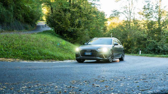 Al volante dell'Audi A4 Avant 40 TDI quattro 2020