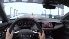 Al volante di Audi RS e-tron GT nella sfida contro la Formula E
