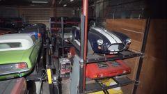 Alcune auto nel capannone della Bizzarrini P538