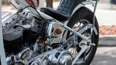 Alcuni dettagli cromati della replica dell'Harley-Davison Panhead 1963 del film Easy Rider