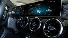 Alcuni dettagli degli interni della Mercedes A 250 e