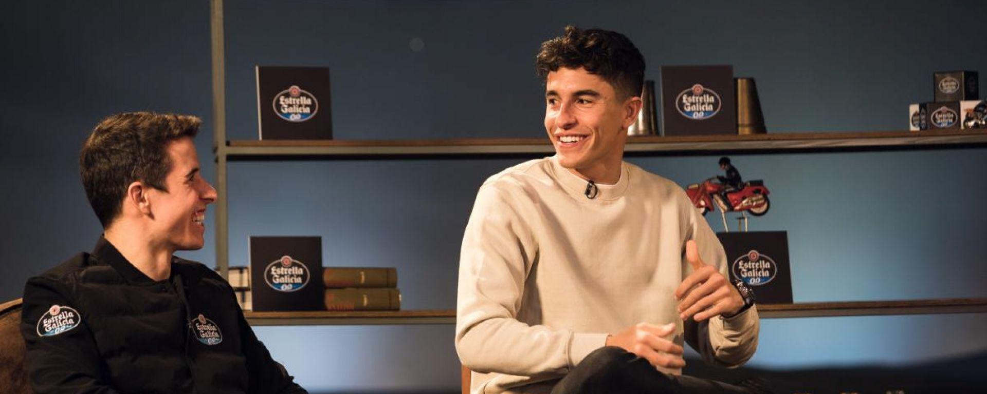 Alex e Marc Marquez durante una recente intervista con DAZN, prima del terzo intervento all'omero
