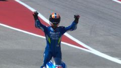 Alex Rins festeggia la vittoria ad Austin