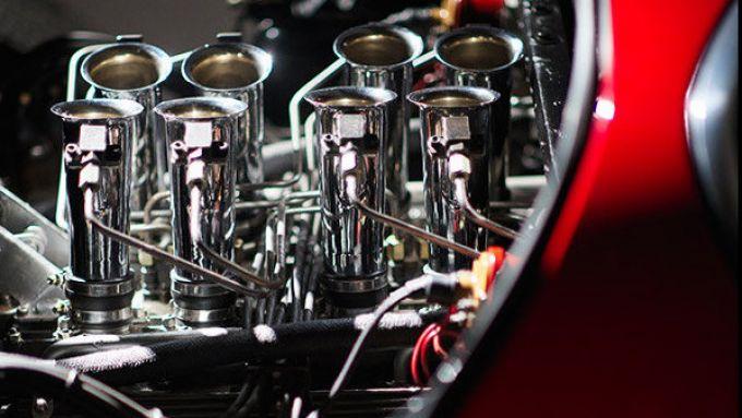 Alfa 33 Stradale, motore 8 cilindri a V