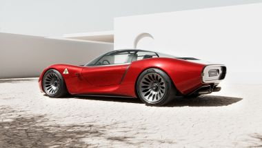Alfa Romeo 33 Stradale/Visione: lavoro di cesello per il team di 5 designer