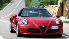 Alfa Romeo 4C Spider: 1.750 cc turbo, 240 cavalli e cambio a doppia frizione