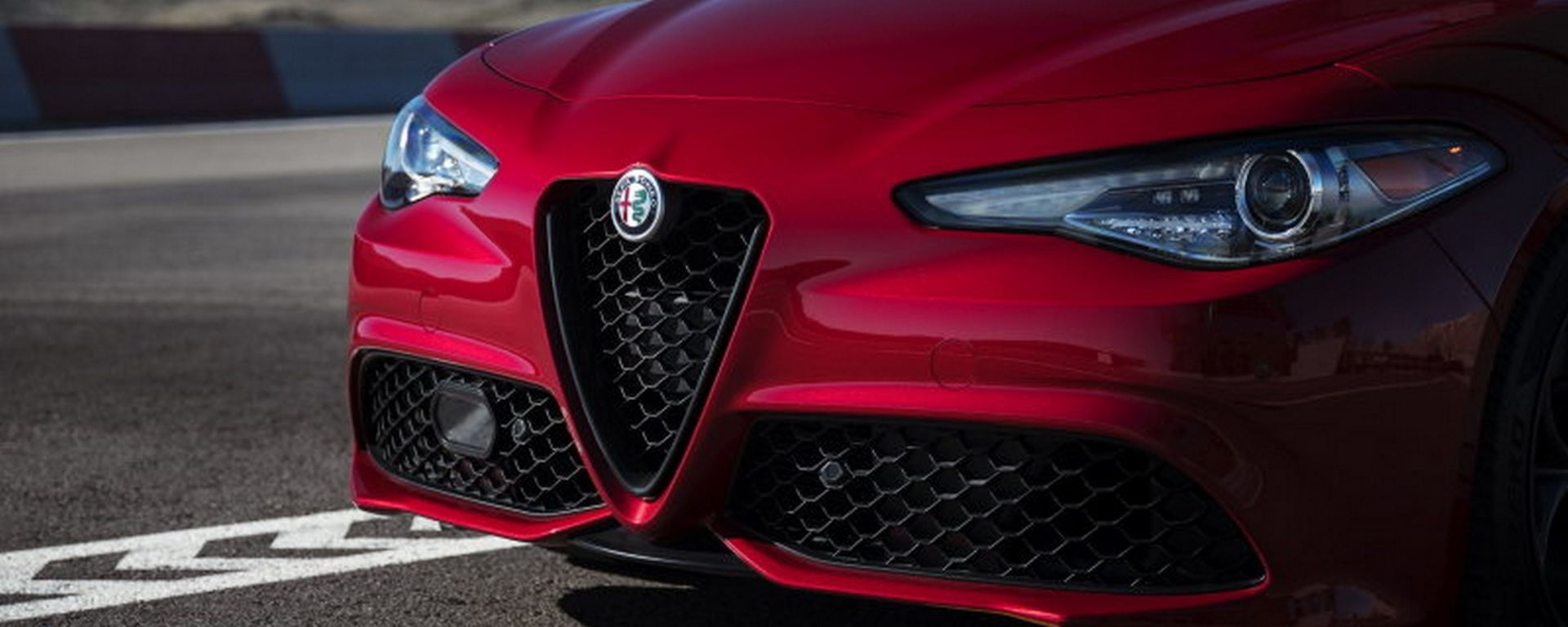 Alfa Romeo Giulia 2019 Nero Edizione e Ti Sport Carbon