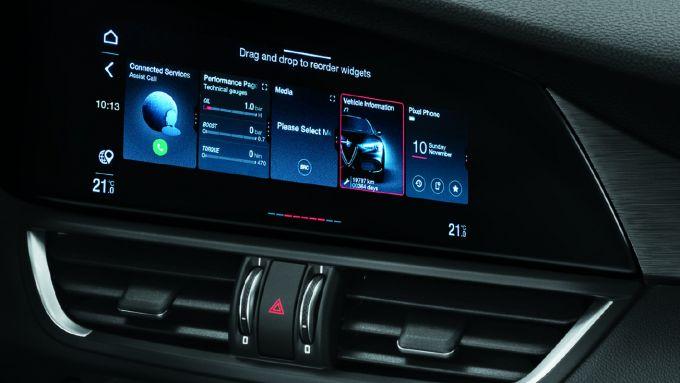Alfa Romeo Giulia 2020, il display touch screen