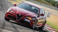 Alfa Romeo Giulia 2.2 Turbo diesel 180 CV in pista: il frontale