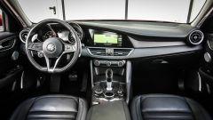 Alfa Romeo Giulia 2.2 Turbo diesel 180 CV: la plancia