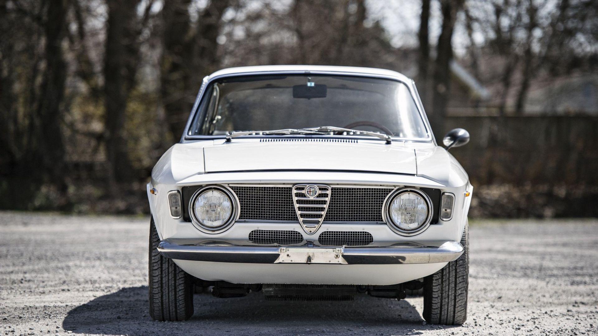 Auto d'epoca: Alfa Romeo Giulia GTA 1300 Junior: all'asta ...