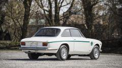Alfa Romeo Giulia GTA 1300 Junior: all'asta per oltre 138.000 euro - Immagine: 3
