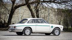 Alfa Romeo Giulia GTA 1300 Junior: all'asta per oltre 138.000 euro - Immagine: 4