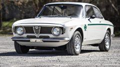 Alfa Romeo Giulia GTA 1300 Junior: all'asta per oltre 138.000 euro - Immagine: 6