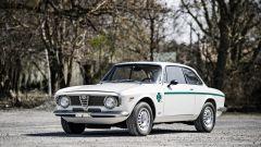 Alfa Romeo Giulia GTA 1300 Junior: all'asta per oltre 138.000 euro - Immagine: 7