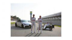 Alfa Romeo Giulia GTA: stradale e Formula Uno insieme ad Antonio Giovinazzi e Kimi Raikkonen