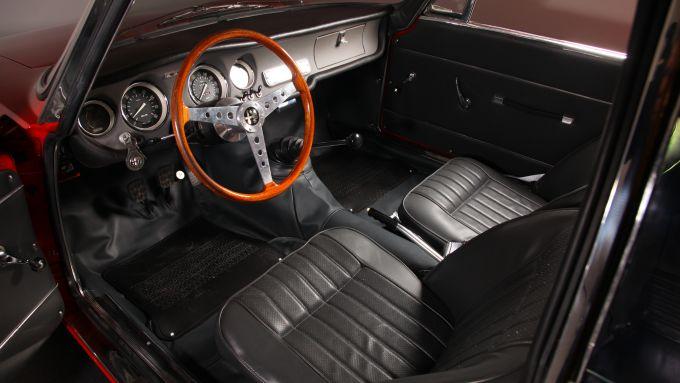 Alfa Romeo Giulia GTA Stradale: gli interni