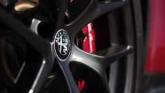 Alfa Romeo Giulia: più cattiva al salone di New York - Immagine: 6