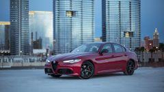 Alfa Romeo Giulia: più cattiva al salone di New York - Immagine: 7