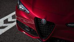 Alfa Romeo Giulia: più cattiva al salone di New York - Immagine: 9