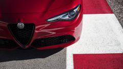 Alfa Romeo Giulia: più cattiva al salone di New York - Immagine: 10