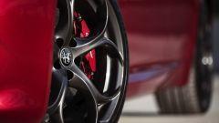 Alfa Romeo Giulia: più cattiva al salone di New York - Immagine: 11