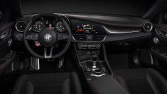Alfa Romeo Giulia Quadrifoglio Alfa Romeo Racing: la plancia