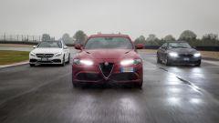 Alfa Romeo Giulia Quadrifoglio: come se la cava la berlina italiana contro le cattivissime tedesche?