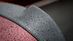 Alfa Romeo Giulia Quadrifoglio: il particolare dello spoiler posteriore in carbonio