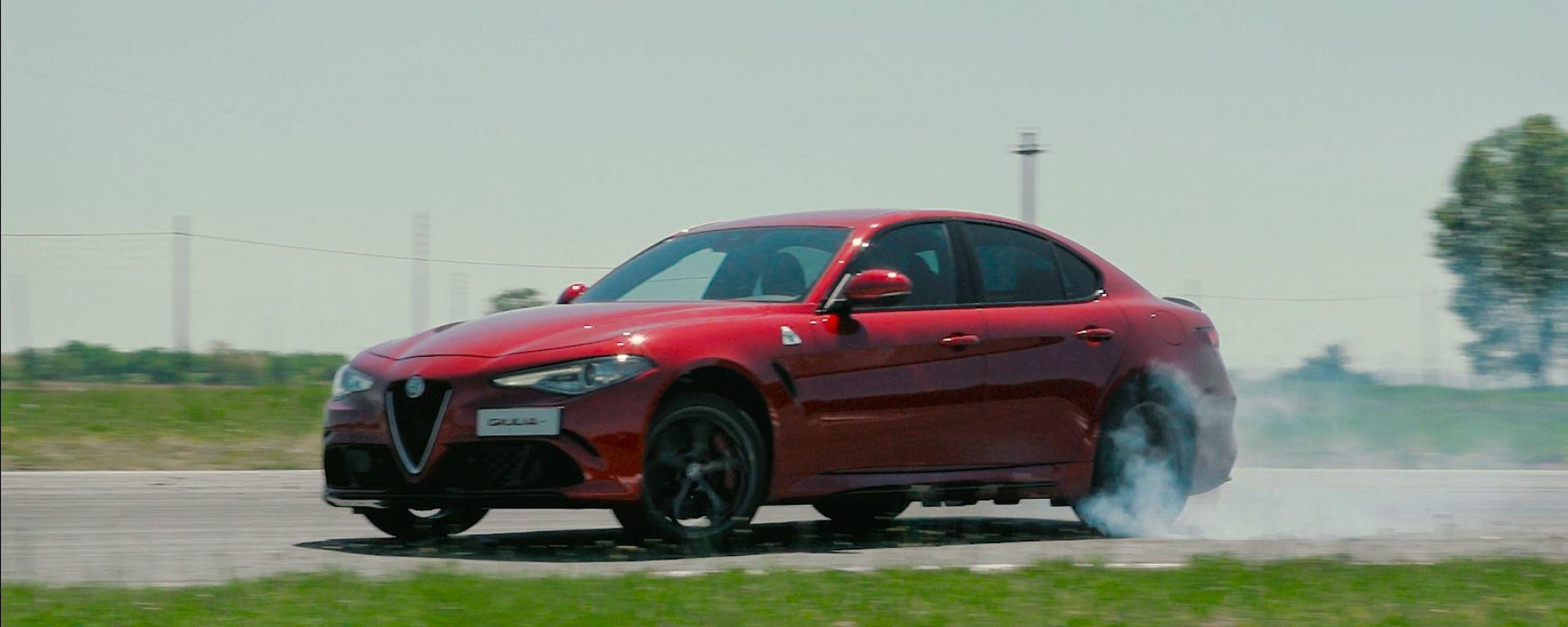 Alfa Romeo Giulia Quadrifoglio: il video del collaudatore