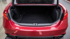 Alfa Romeo Giulia Quadrifoglio: la capacità del bagagliaio rimane immutata