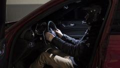 Alfa Romeo Giulia Quadrifoglio: l'abitacolo oscurato per il record alla cieca