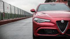 Alfa Romeo Giulia Quadrifoglio: le grosse prese d'aria per far respirare il V6 di origine Ferrari