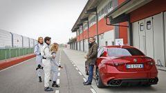 Alfa Giulia Quadrifoglio: in pista con Rachele Sangiuliano e Mara Santangelo [Video] - Immagine: 21