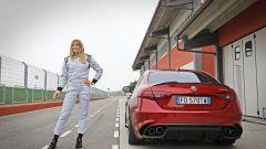 Alfa Giulia Quadrifoglio: in pista con Rachele Sangiuliano e Mara Santangelo [Video] - Immagine: 22