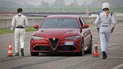 Alfa Giulia Quadrifoglio: in pista con Rachele Sangiuliano e Mara Santangelo [Video] - Immagine: 41