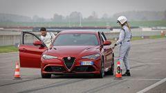 Alfa Giulia Quadrifoglio: in pista con Rachele Sangiuliano e Mara Santangelo [Video] - Immagine: 42