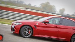 Alfa Giulia Quadrifoglio: in pista con Rachele Sangiuliano e Mara Santangelo [Video] - Immagine: 44