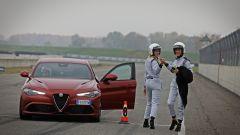 Alfa Giulia Quadrifoglio: in pista con Rachele Sangiuliano e Mara Santangelo [Video] - Immagine: 46