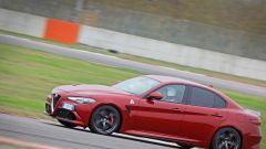 Alfa Giulia Quadrifoglio: in pista con Rachele Sangiuliano e Mara Santangelo [Video] - Immagine: 49